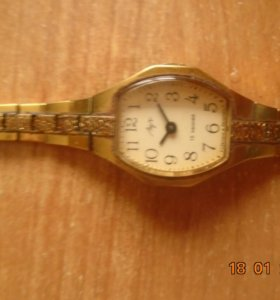 Коллекционные часы Луч  женские в желтом корпусе
