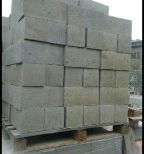 Продаются керамзито-бетонные блоки и цемент