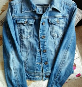 Джинсовая куртка stradivarius