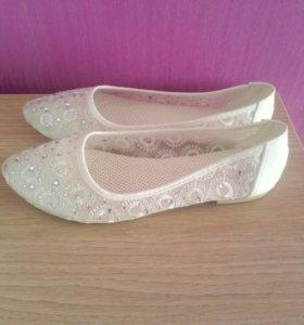 Свадебные туфли и балетки