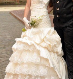 Красивое свадебное или выпускное платье