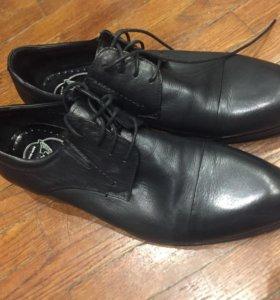 Мужские туфли 39 размера