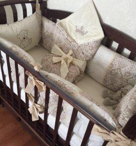 Комплект в детскую кроватку . Бортики и одеяло