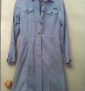 Пальто джинсовое голубое