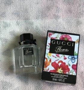 Flora Gucci магнолия
