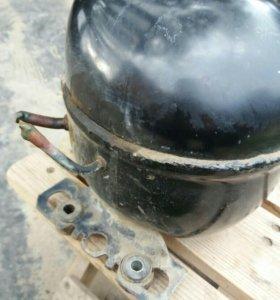 Двигатель двухкамерного холодильника