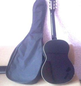 Гитара с чехлом. Торг уместен.