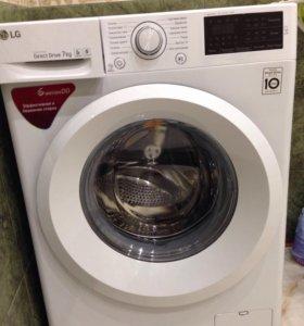 ,стиральная машинка LG F12U2HFN3 новая