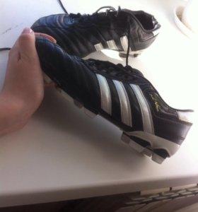 Футбольное обувь