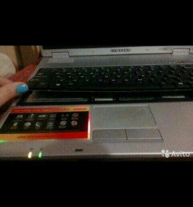 Ноутбук рабочий на запчасти