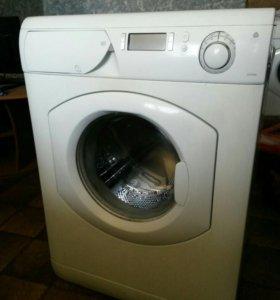В продаже стиральная машина Ariston