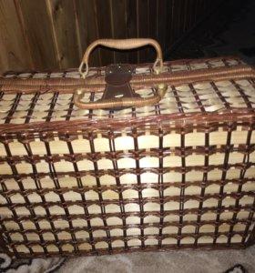 Плетённый чемодан