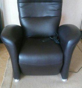 Кресло кожаное с электроприводом
