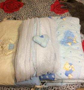 Бортики в кроватку с балдахином.
