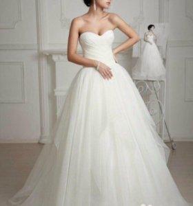 Платье выпускное или свадебное.