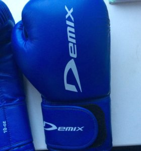Боксёрские перчатки Demix