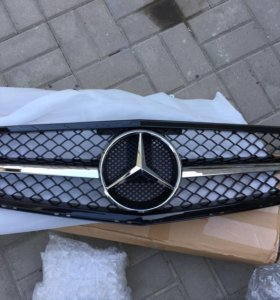 Решётка Mercedes w204 amg 6.3