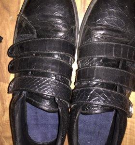 Обувь,покупал за 9500 погасил 4-5 раза и стали мал