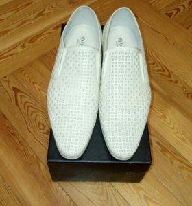 Туфли белые!