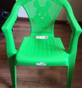 Новый стул  детский пластиковый