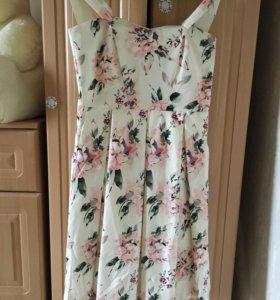 Платье миди цветастое новое