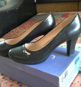 Туфли женские.новые