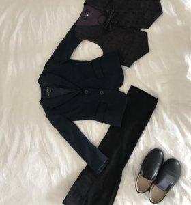 пиджак, брюки, туфли и жилет всё вместе