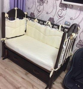 Продам кроватку с матрасом