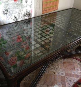 Стол из ротанга для гостиной НОВЫЙ