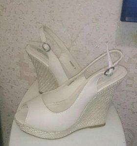 Туфли, босоножки,т.д