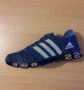 Adidas Текстиль новые . Лето .