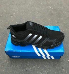 кроссовки Adidas новые в наличии 42 43 44