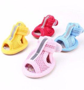 Летняя обувь для маленькой собачки