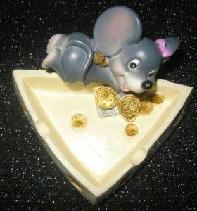 Декоративная пепельница с мышкой