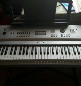Цифровое пианино синтезатор Yamaha dgx 230