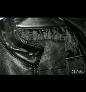 Стильная байкерская куртка