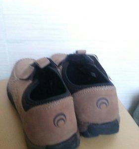 Ботинки р-р 40(женские)