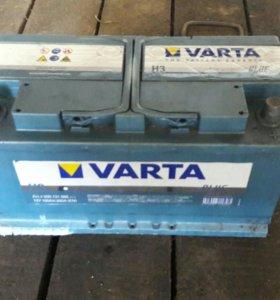 Продам автомобильный аккумулятор VARTA