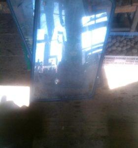 Боковые стёкла багажника (собаччника) для NISSAN T