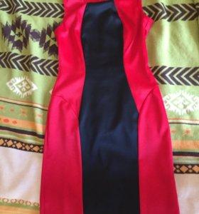 Платье- футляр 42-44