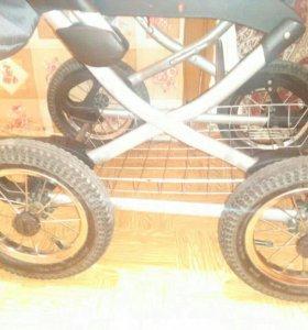 Хорошая коляска люлька