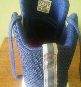 """Кроссовки фирмы """"adidas"""" размер 40,5"""