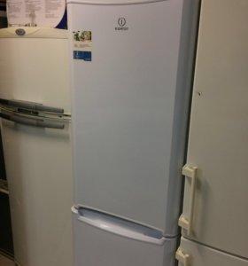 Бу холодильник Индезит. no Frost