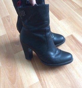 Ботинки ,туфли Hilfiger