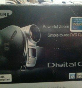 Видеокамера,Samsung 33x
