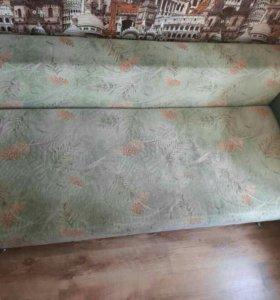 Мягкий выдвижной диван