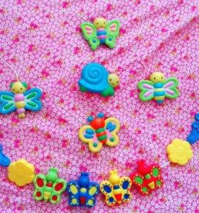 Игрушки-погремушки-подвески для малыша