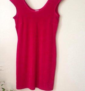 Платье темно-розовое, материал стрейч с блестками.