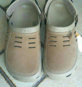 Новые Crocs кроксы мужские 42размер 9М