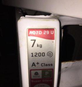 Стиральная машинка Hotpoint Ariston AQ7D29U